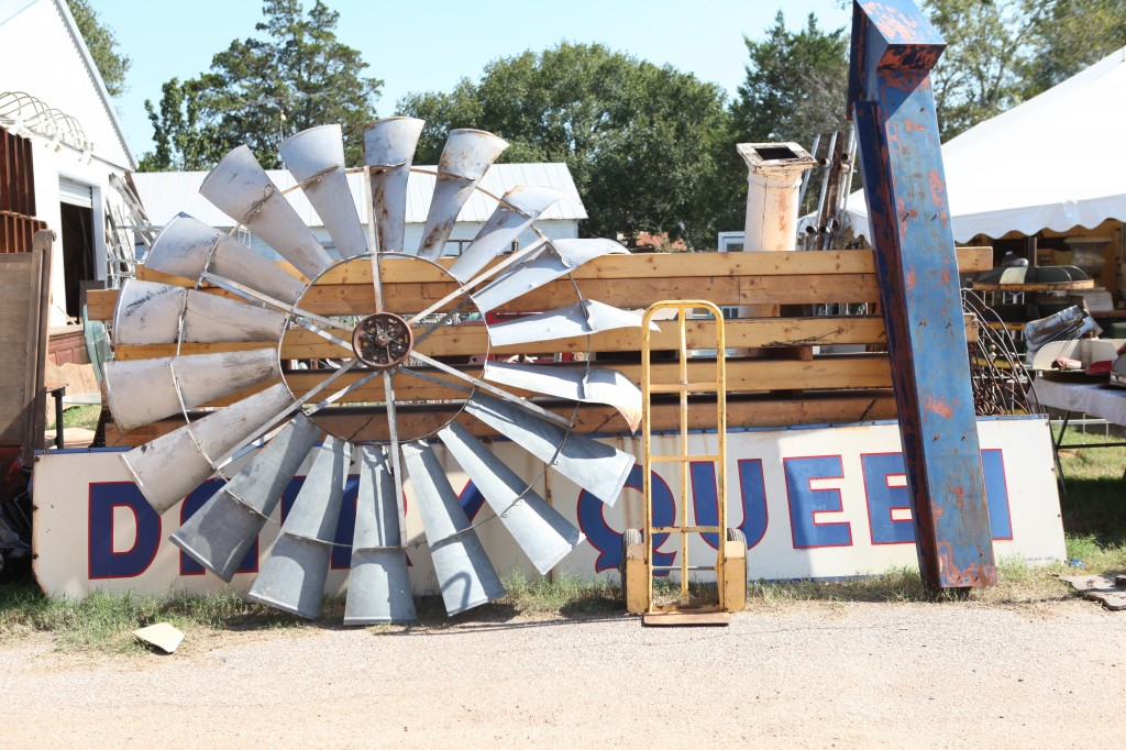 A Guide To The Round Top Antiques Fair